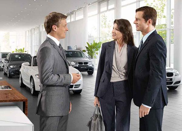 Kierownik działu sprzedaży BMW
